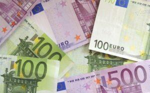 'EU overweegt olie uit Iran in euro af te rekenen'