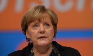"""Merkel: """"Europa heeft samenhangend buitenlands beleid nodig"""""""