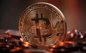 Bitcoin weer boven $30.000 na scherpe correctie