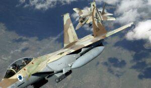 Israël mobiliseert leger en opent schuilkelders