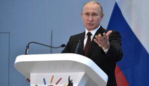 """Poetin: """"De VS moet dollar niet als politiek wapen gebruiken"""""""
