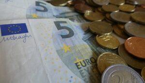 """Rogoff: """"Verdwijnen contant geld gunstig voor goud"""""""