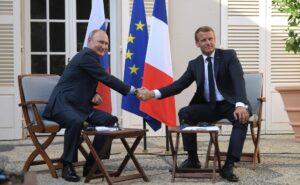 """Macron: """"Europa strekt van Lissabon tot Vladivostok"""""""