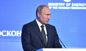 """Poetin: """"Sancties ondermijnen vertrouwen in de dollar"""""""