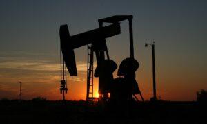 Olieprijs zakt met 25% naar $30 per vat