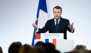"""Macron: """"Europa heeft eigen defensie nodig"""""""